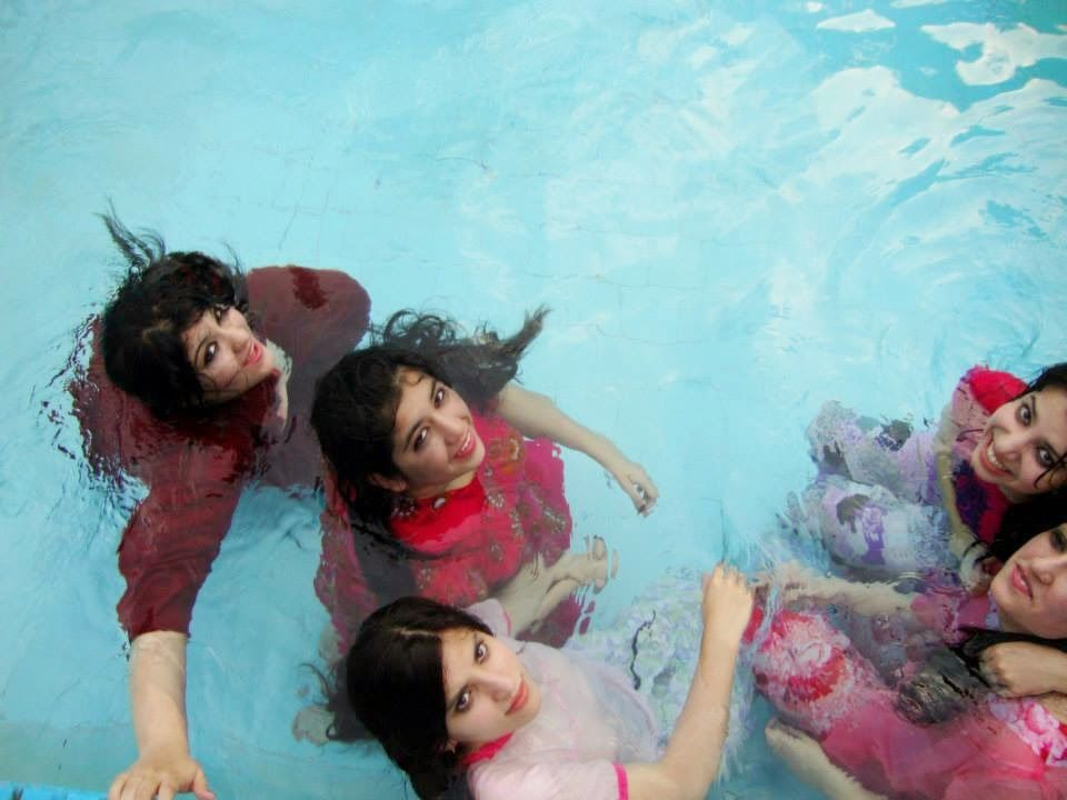 Aunties bathing images