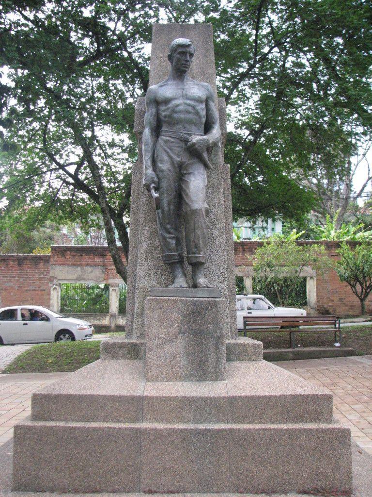 El Obrero Autor Bernardo Vieco Ortiz Bronce Y Piedra Anerisca  # Muebles El Obrero