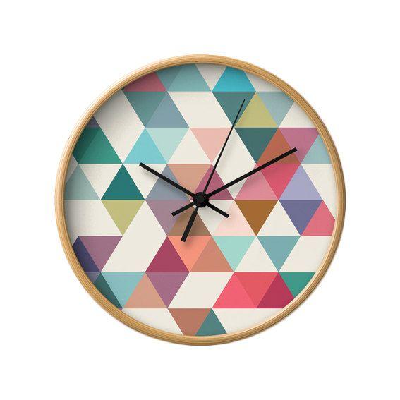 Horloge murale g om triques milieu horloge murale design for Pendule de cuisine rouge