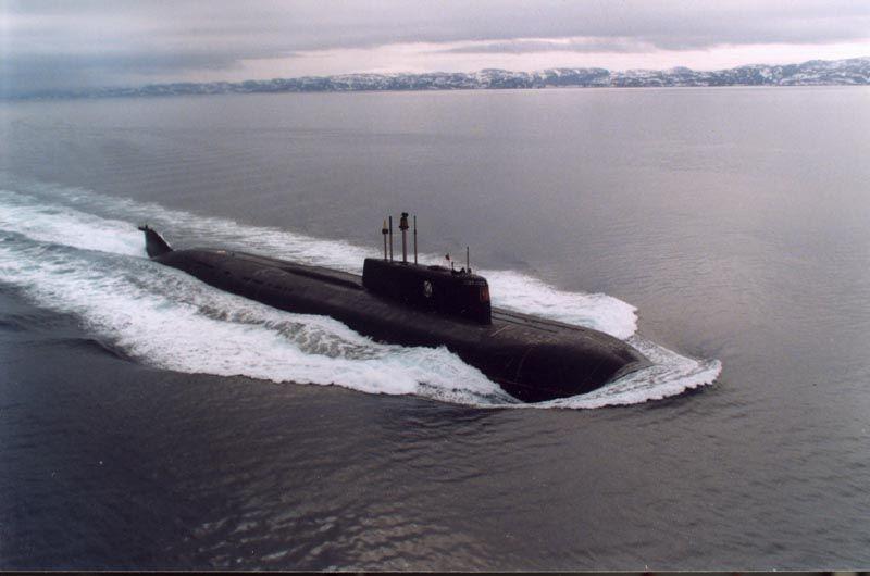 Il K-141 Kursk, nome completo in russo: Атомная подводная лодка «Курск»?, era un sottomarino a propulsione nucleare della Flotta del Nord appartenente alla classe Oscar I/II. Il sottomarino entrato in servizio nel 1995 presso la base di Severomorsk, era in grado di trasportare e lanciare missili a testata nucleare. Il suo dislocamento era di 10 700 tonnellate in superficie e 13 500 tonnellate in immersione, l'equipaggio tipico era composto da 52 ufficiali e 55 marinai, per un totale di 107…