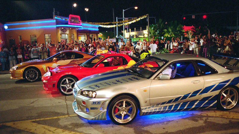 Pin By Jesus Gael On Cars With Neons Nissan Skyline Nissan Gtr Skyline Fast And Furious