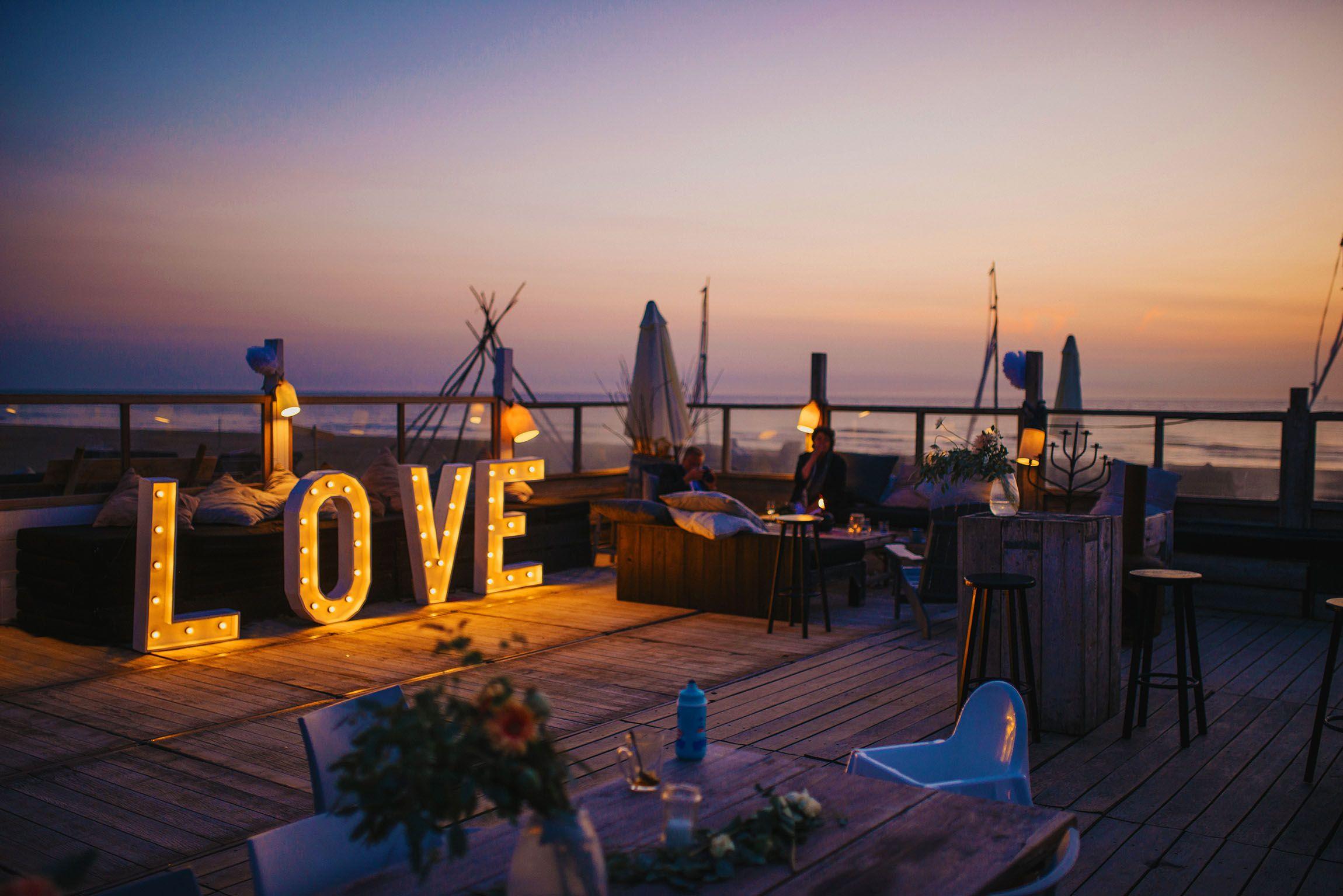 Leuchtbuchstaben Love Fur Eure Hochzeit Leuchtbuchstaben Hochzeitsmesse Polterabend