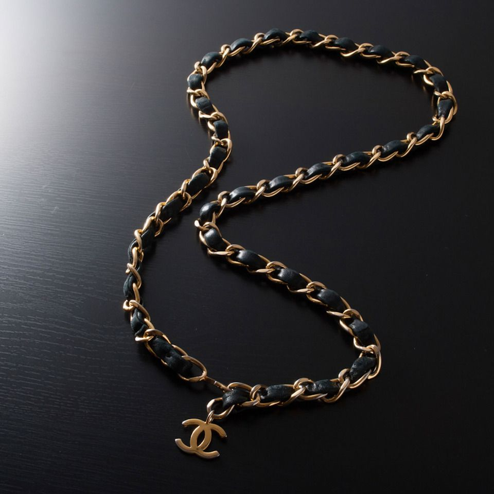 s myshoplah chain gold vintage logo belt cc era supermodel medallion chains chanel