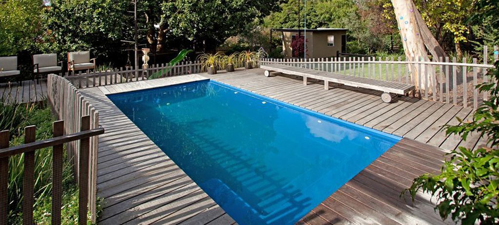 Fiberglass pools plunge pools lap pools swimming for Above ground fiberglass pools