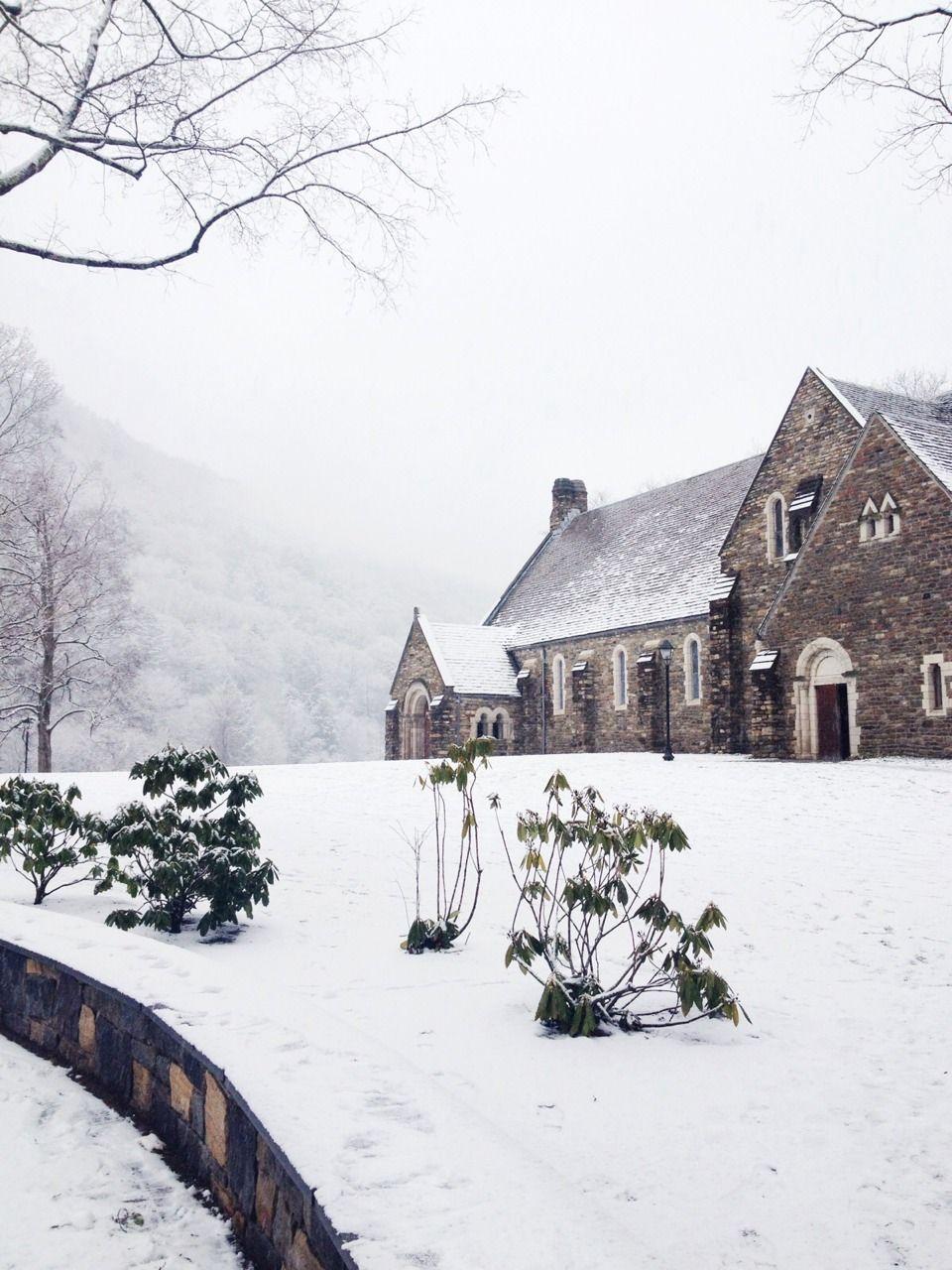 The Crawleys always dream of a white Christmas. | Downton Abbey, as ...