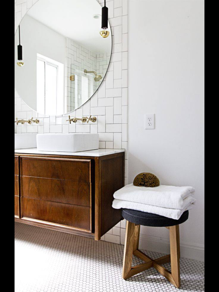 Round bathroom mirror | Bathroom | Pinterest | Round bathroom mirror ...