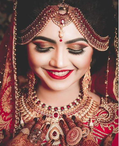 South Indian Jewellery Designs For Brides To Look Drop: Fun New Cool Girl Mathapatti Designs For Your Bridal