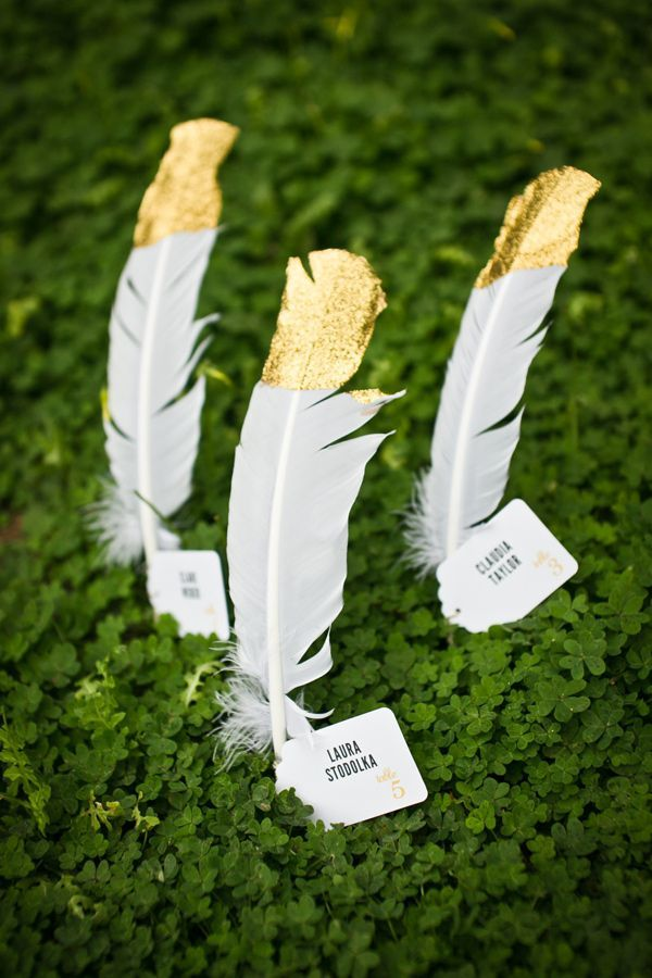 Gold Tipped Feather Escort Cards Photo By Kaysha Weiner Styling Pure