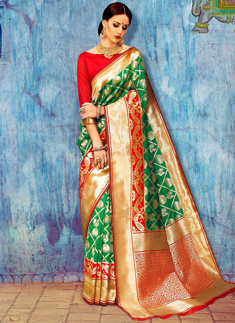 89221c45b0165 Red and Green Silk Saree features a weaving silk saree alongside an art silk  blouse.