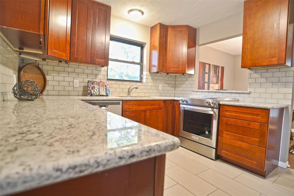 16023 BROOKFORD Houston, TX 77059: Photo | Kitchen ...