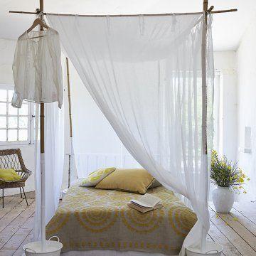 Un Lit à Baldaquin En Bambou Lits Pinterest Bedrooms Canopy - Lit baldaquin bambou ikea