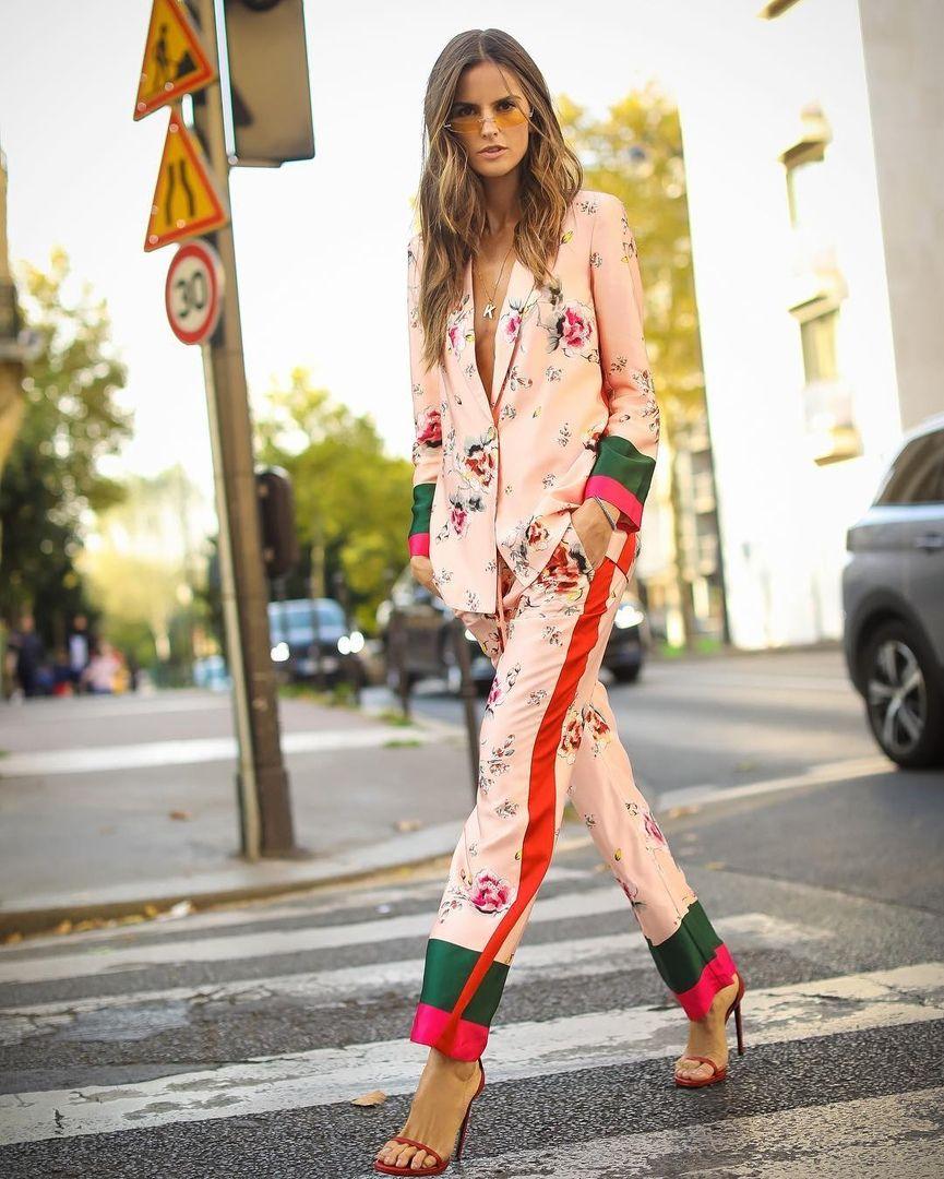 Izabel Gular V Pizhamnyj Kostyum Izabel Goulart Pjs Suit Costume