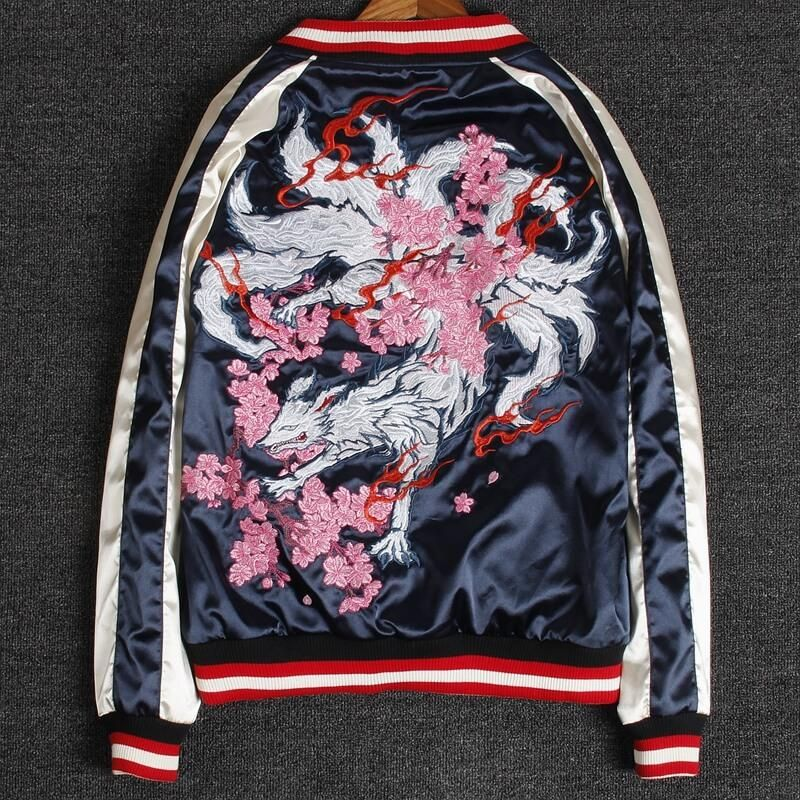 8670276d1032 Looking for the perfect reversible Sukajan? This jacket looks subdued and vintage  feel. The black colored side embroidered with a Xuanwu(god).