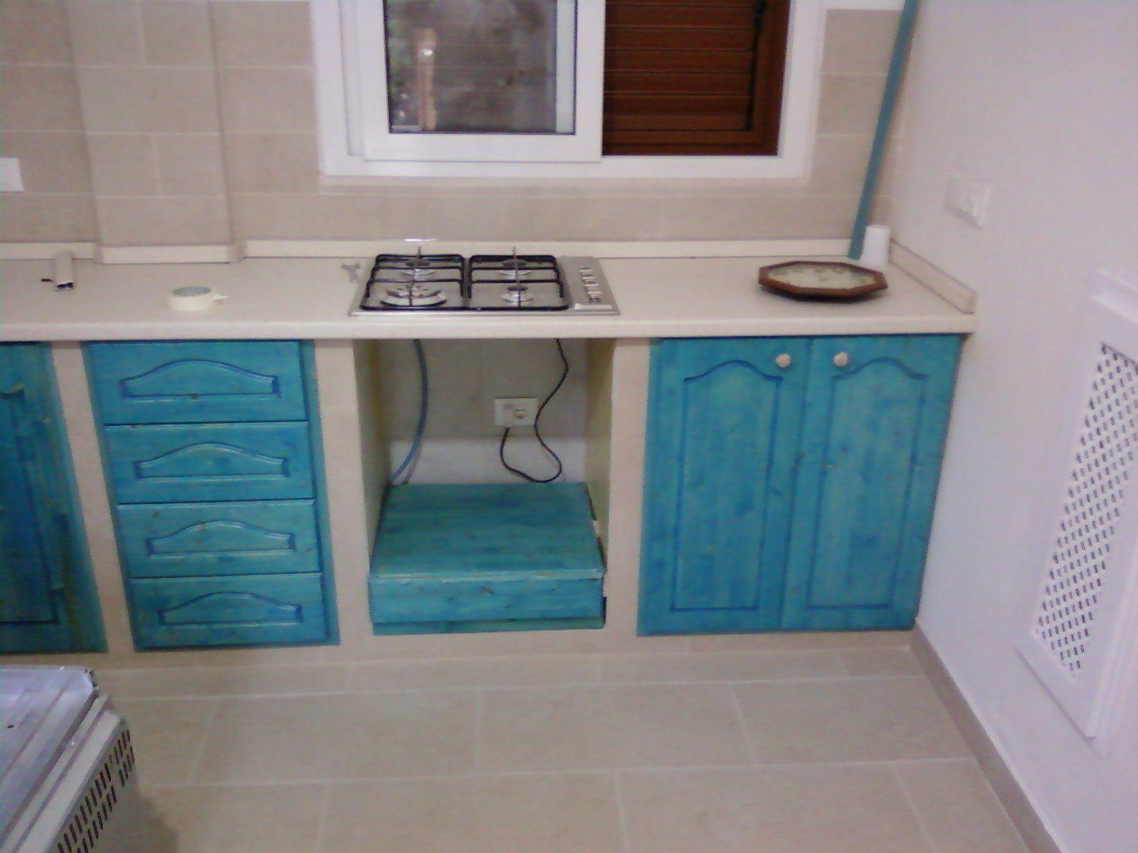 Fai da te hobby legno cucina in muratura barche nel for Decorazioni cucina fai da te
