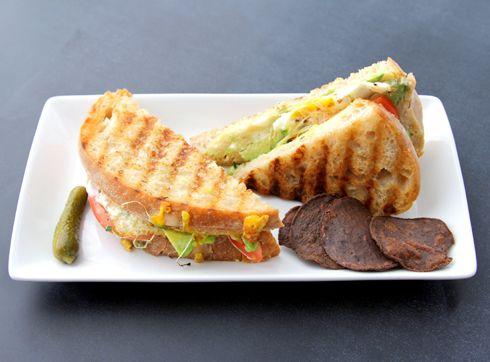 Que rico los sandwich!! me encantan con hojas.