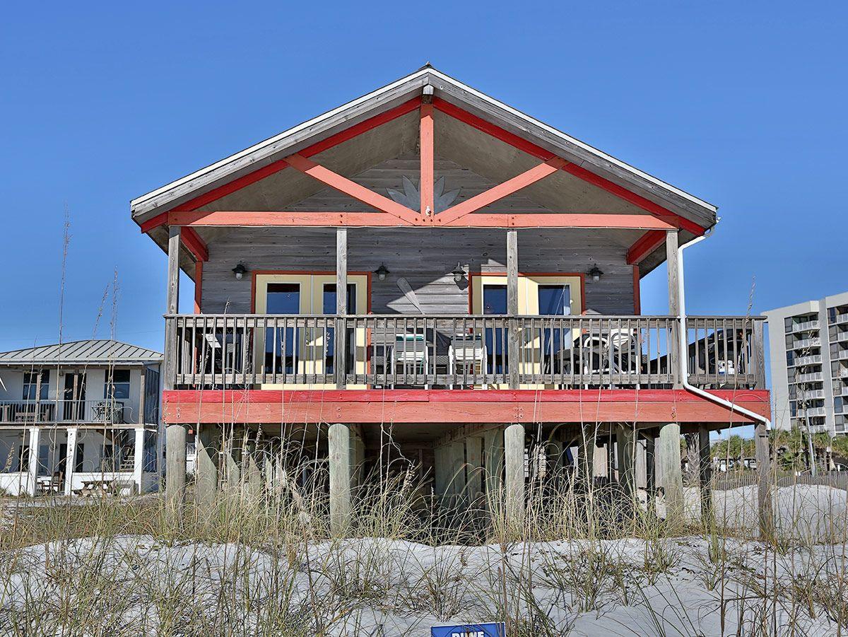 Miraculous Pin By Chrissy Denham On Beach Homes Beachfront Homes Download Free Architecture Designs Momecebritishbridgeorg