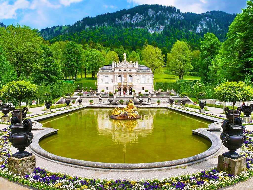 Linderhof Ettal Abbey Germany Linderhof Palace Germany Castles Places Worth Visiting