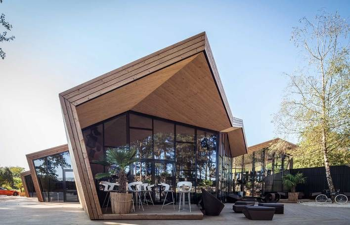 Origami Inspired BOOS Beach Club is part of Restaurant exterior design - Le studio d'architecture Metaform est à l'origine du BOOS Beach Club, au Luxembourg  Ce bâtiment suit des lignes légères et harmonieuses, caract