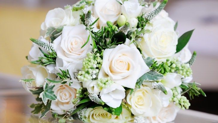 Beautiful White Roses Bouquet Wallpaper White Rose Bouquet Sunflower Wedding Bouquet Wedding Flowers