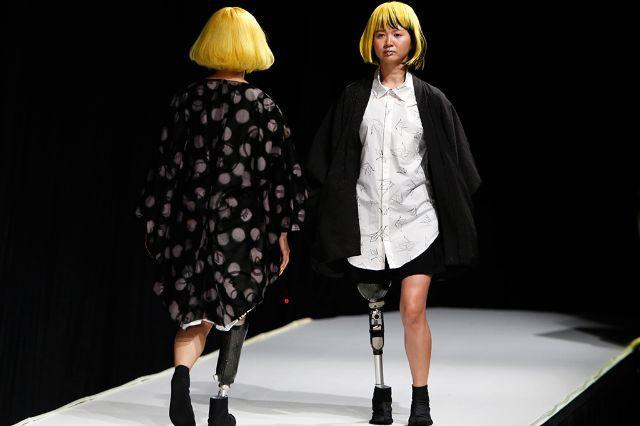 عرض أزياء لزوي الاحتياجات الخاصة في طوكيو