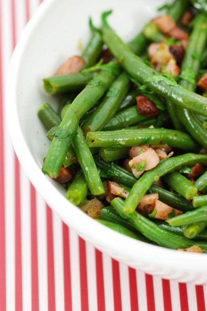 de septembre : on profite des dernieres haricots verts de la saison pour les cuisiner frais, croquants, en salade. On vous en dit plus sur ///Légumes de septembre : on profite des dernieres haricots verts de la saison pour les cuisiner frais, croquants, en salade. On vous en dit plus sur ///