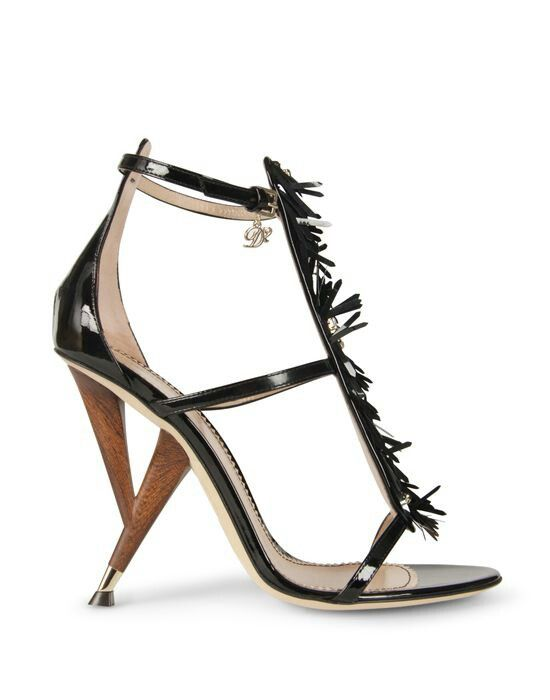 Leather, strass and wood. Heel 11 cm