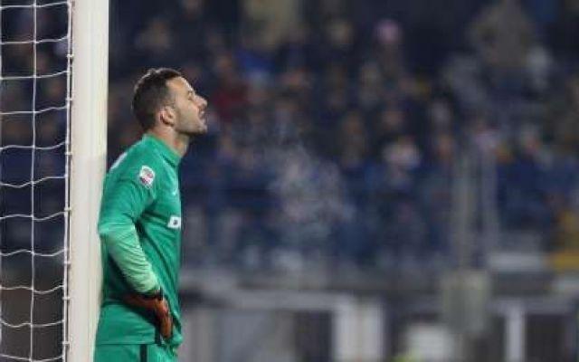 Inter, arriverà un fenomeno in porta ma Handanovic se ne va, ecco chi arriverà Il portiere titolare dell'Inter, Samir Handanovic, lascerà la squadra nerazzurra. La dirigenza, però, ha già trovato un sostituto eccezionale per difendere la porta nerazzurra. Si tratta di un giovan #calciomercato #calcio #inter #seriea