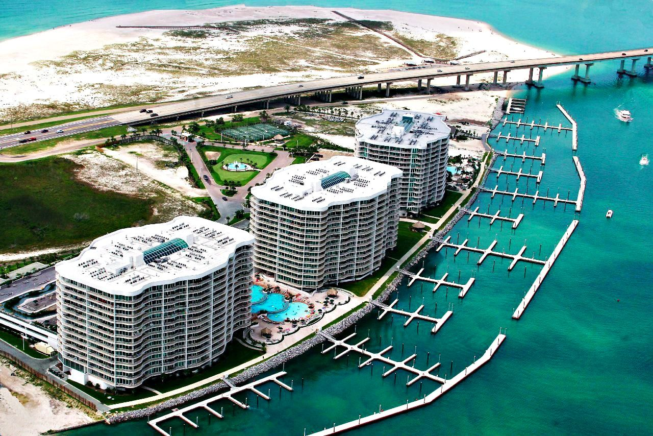 Aerial View Of Caribe In Orange Beach Amenities At This 23 Acre Resort Include Multiple Level Pools Orange Beach Alabama Alabama Beaches Orange Beach Vacation
