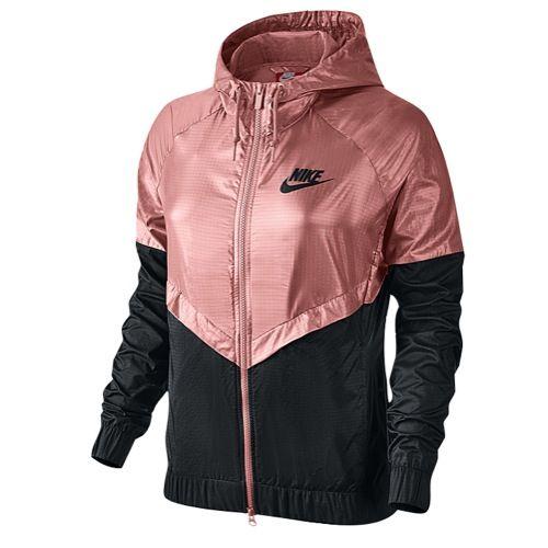 Racionalización llamada Radar  Nike NSW Windrunner Jacket - Women's at Foot Locker | Nike sportswear  women, Nike windbreaker outfit, Nike outfits