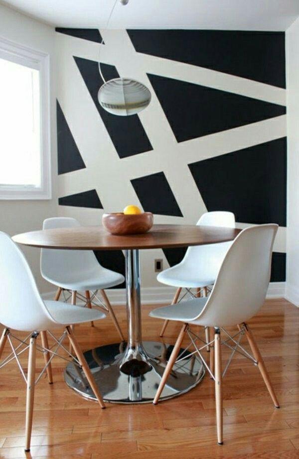 Home Decorating Ideas Zimmer Mit Interessante Wandgestaltung U2013 Schwarze  Wand Mit Asymetrischen Linien