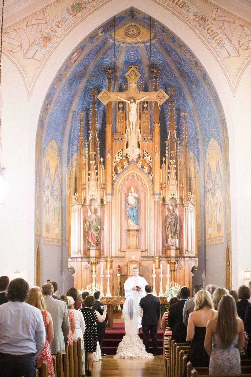 Catholic Ceremony + Romantic & Modern Outdoor Wedding