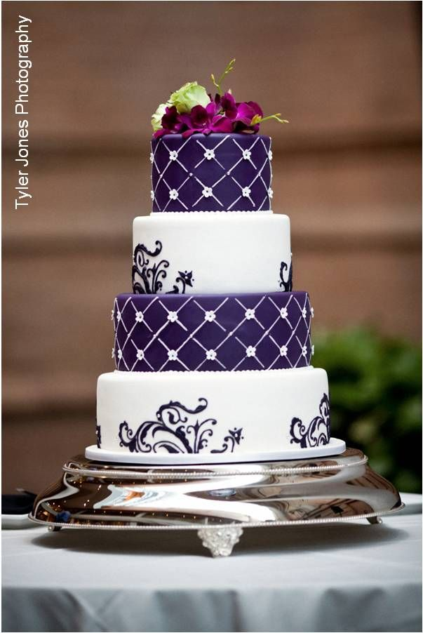 Purple And White Purple Wedding Cakes Elegant Wedding Cakes