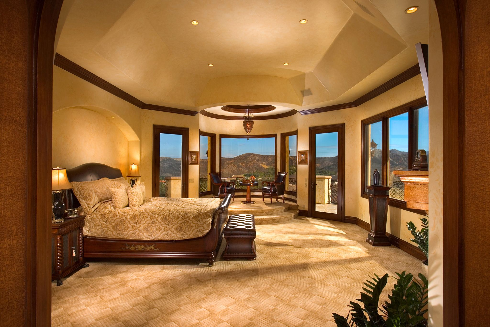 21 incredible master bedrooms design ideas luxury master for Pictures of master bedroom designs