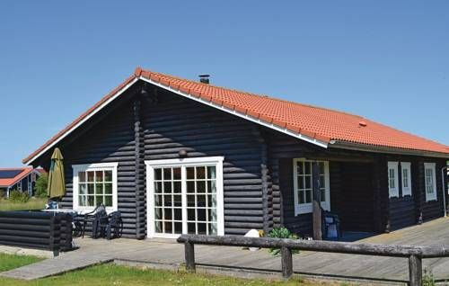 Holiday home Marielyst Strandpark V�ggerl�se IX V�ggerl�se Holiday home Marielyst Strandpark V?ggerl?se IX is a ten person cottage located in V?ggerl?se.  The apartment will provide a cable TV with a DVD player and a Hi-Fi system.
