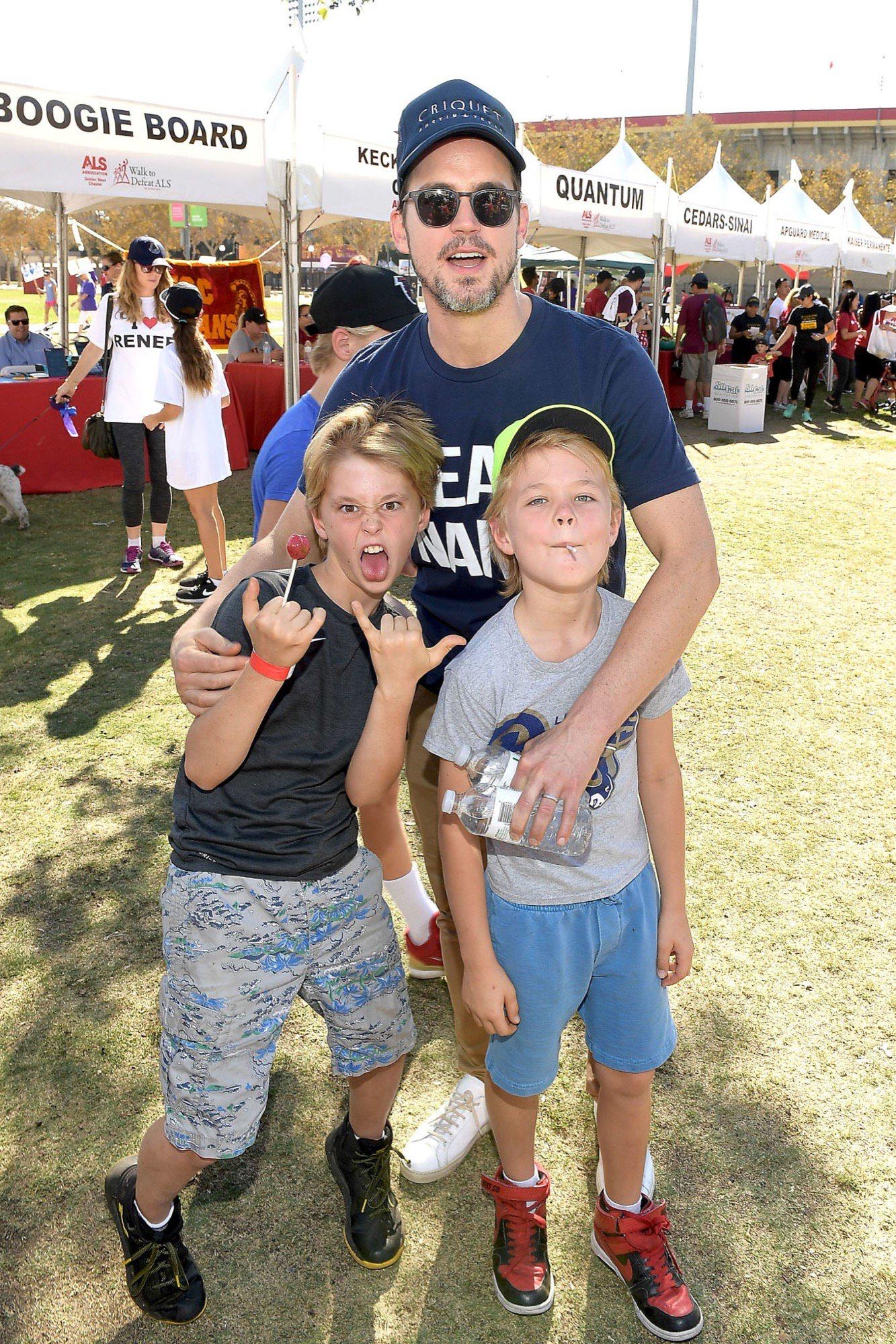 Matt with 2 of his sons (1017) | Matt bomer kids, Matt