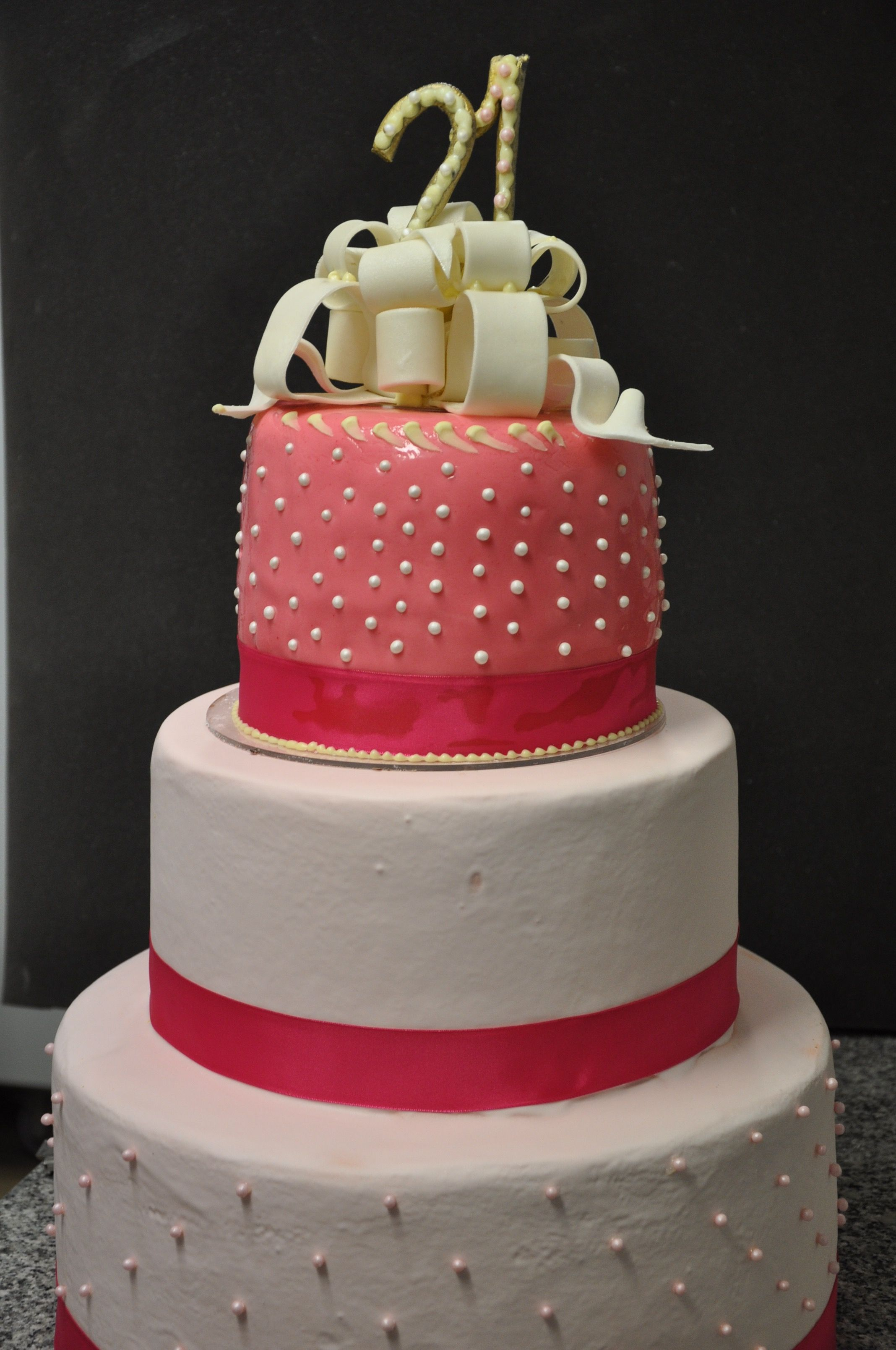 Tiered Cake 21 Years Old Girl Celeb Pitchounbakery Large Cakes