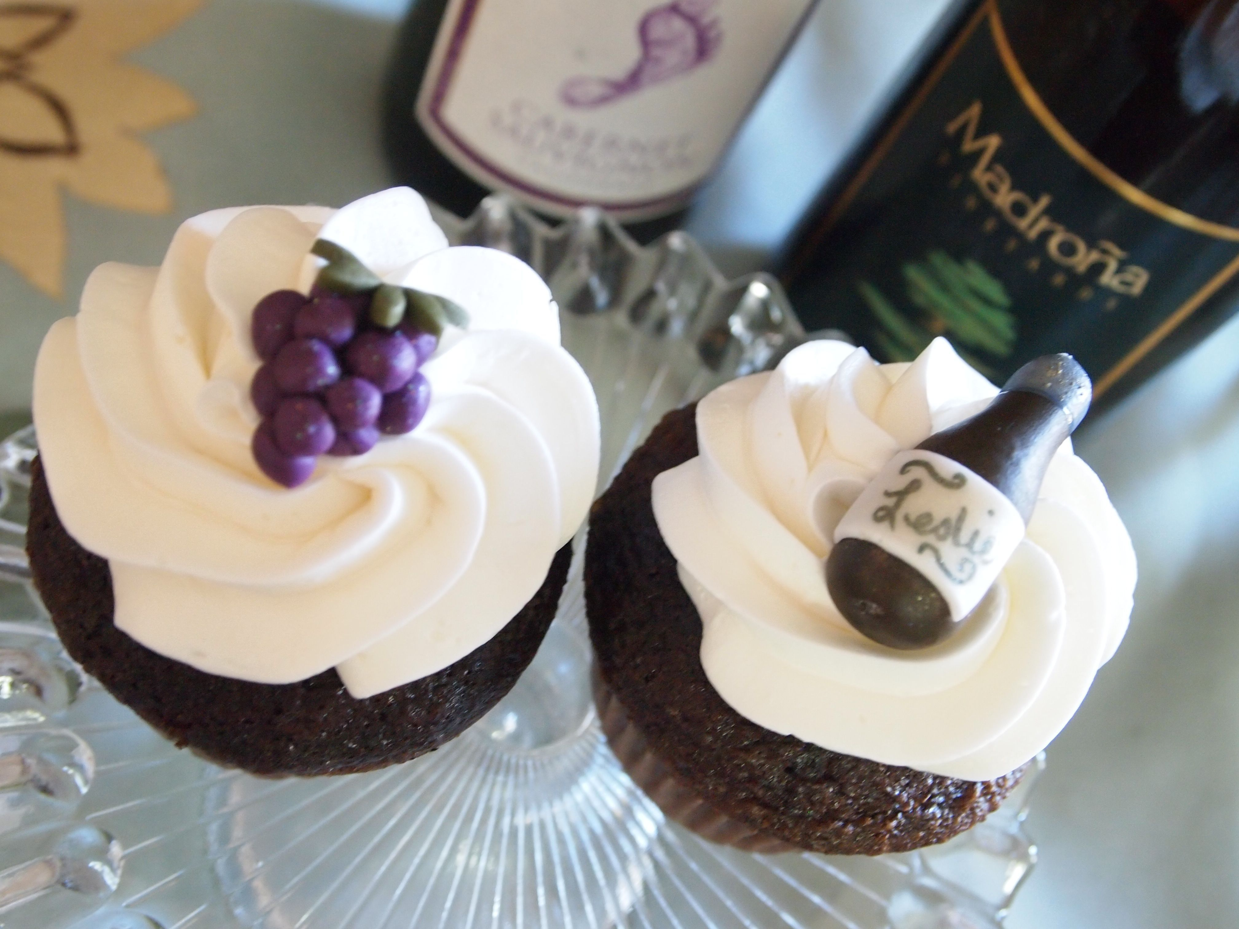 cupcake recipes for bridal shower%0A Bridal showers    Wine themed Cupcakes