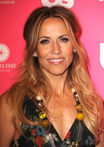 Who Says Middle Aged Women Can T Have Long Hair Sheryl Crow Sheryl Crow Hair Long Hair Styles