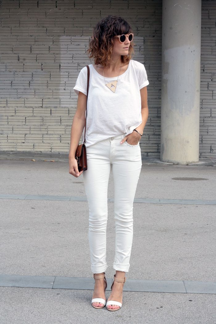 Look at my new white pants
