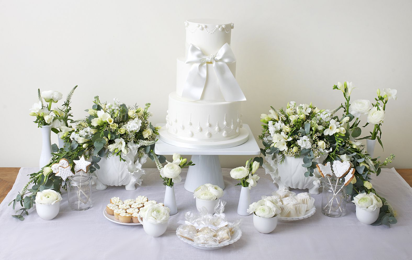 the biggest ever cake bloom cake company 14 tier - Google Search