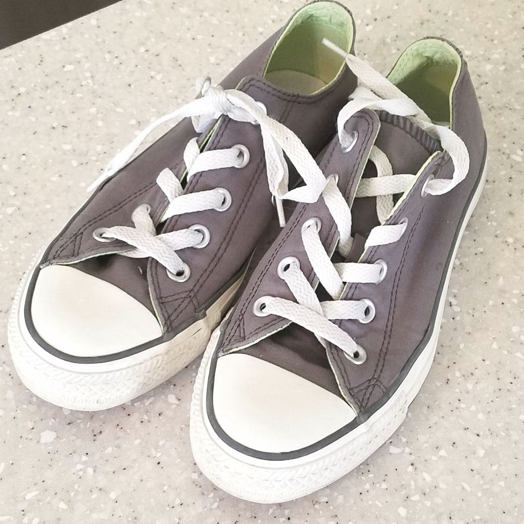 Converse Shoes   Converse Girls Size 3   Color: Gray