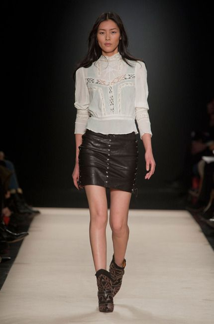 Isabel Marant Automne-hiver 2012-2013  Love the victorian blouse :)