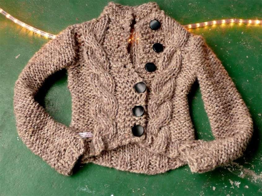 Lavori ai ferri  schemi e modelli - Giacca in lana ai ferri  6ef77fd03089