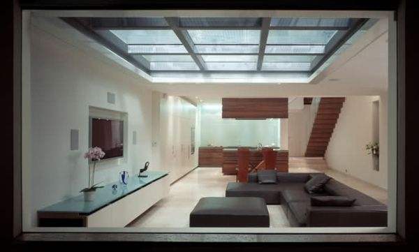 Une verrière de toit apportera la lumière à votre maison! Backyard