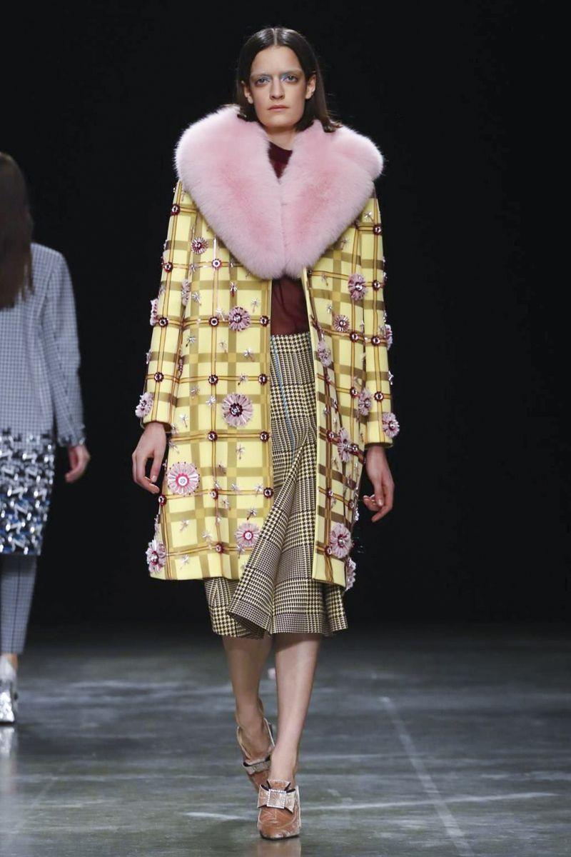 b1ae0e2b7c0 Mary Katrantzou Ready To Wear Fall Winter 2017 London