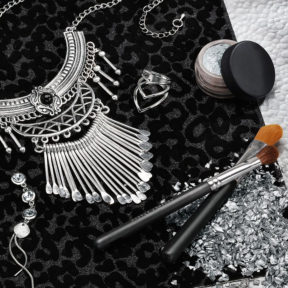 Fashionistas unite! You are going to love the fresh, bold styles that are the Jennifer Line. Silver, gun metal, statement necklaces and rings