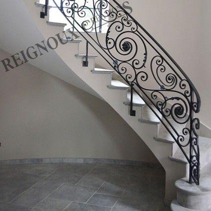 rampe d 39 escalier classique haut de gamme kovanici. Black Bedroom Furniture Sets. Home Design Ideas