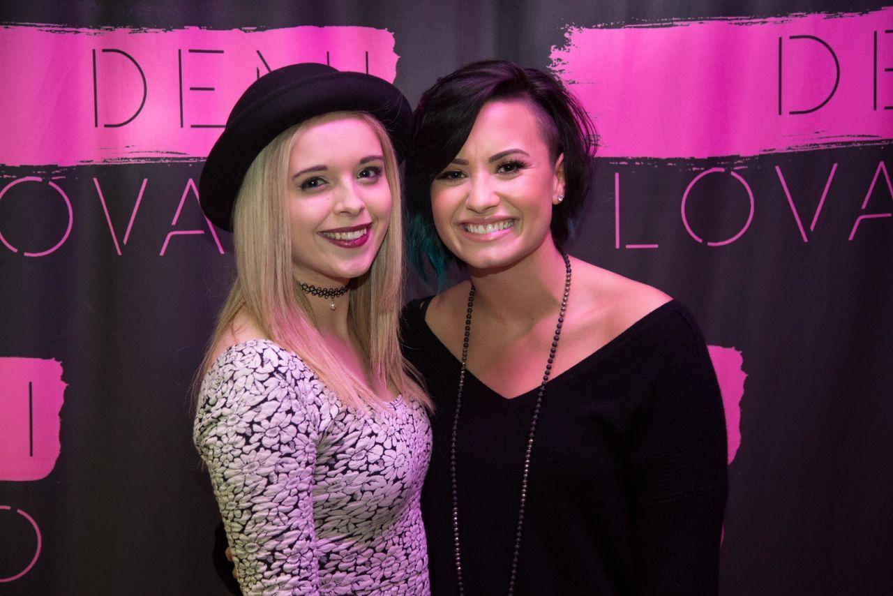 Demi Lovato Meet And Greet 2013 Google Search So Jealous