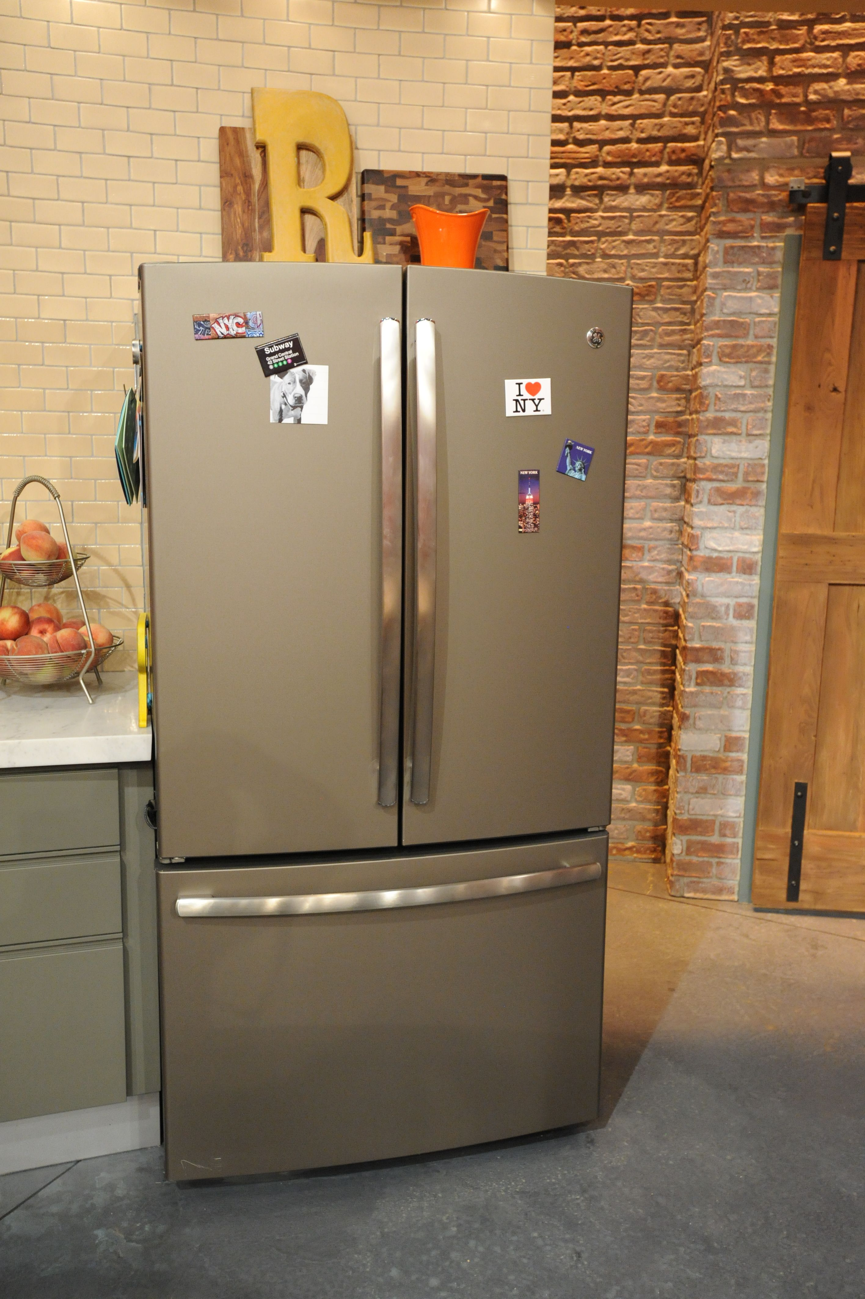 Kitchen appliances in slate color - The Rachel Ray Show Is The First Tv Kitchen To Showcase The Brand New Ge Slate Color Refrigerator Come Check This Out In Person At Several Of The Local