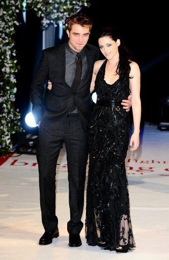 Robert Pattinson And Kristen Real Wedding Photos Google Search